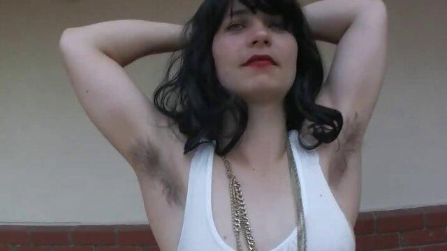 Wunderschöne Japanische Teen Modell Schleift sex mit reifer deutschen frau