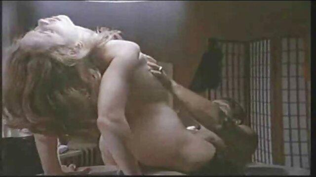 Karla Carrillo im weißen Bustier sex mit einer reifen deutschen
