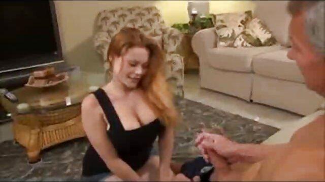 DSL Big Tit Blonde deutsche reife sex Chef Schluckt Ihren Assistenten ' s BIG Dick