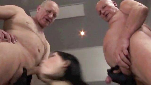 Latina milf Anabella liebt orgasmische Nippel spielen deutsche reife geile frauen