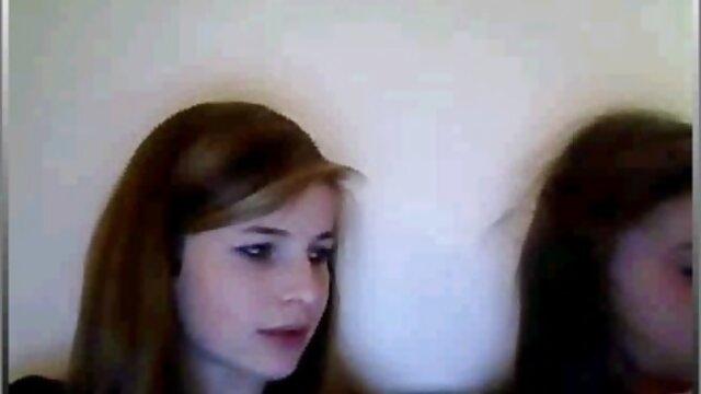 Naughty teen deutsche reife sex handjob auf dem Bett